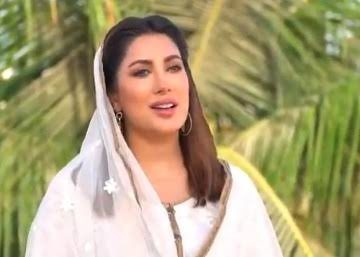 """Karam mere Aaqa"" in Mehwish Hayat's voice is not only soulful but has left Ashiqan e Rasool listening to it on loop"