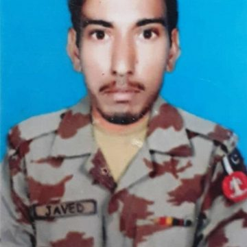 Lance Naik Javed Karim embraced shahadat while 3 soldiers got injured.