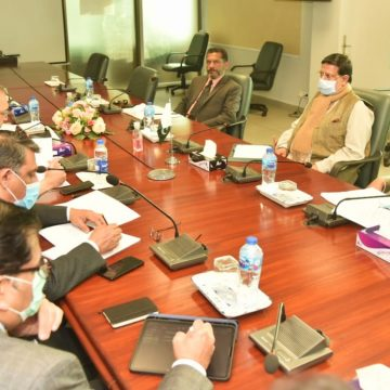 Mohammedmian Soomro chaired a Meeting to discuss privatisation of DISCOS